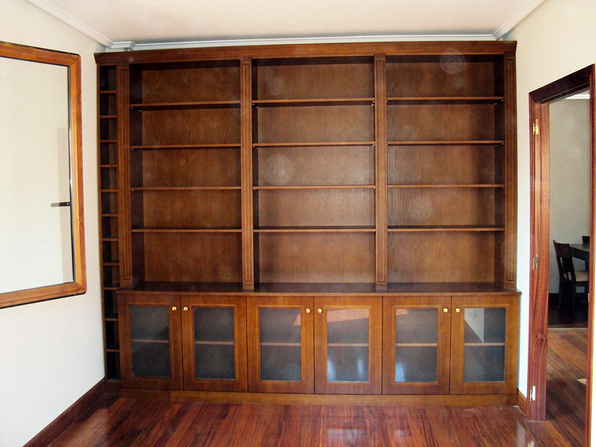 Biblioteca madera carpinteria iberre for Muebles de libreria