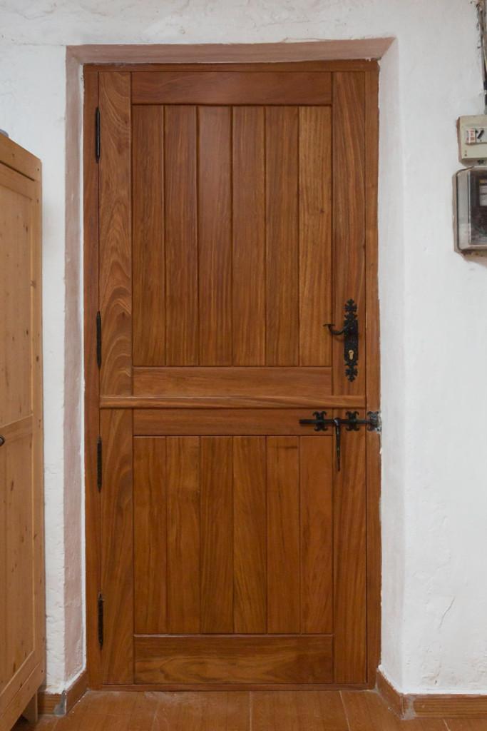 Puerta de entrada de caser o carpinteria iberre for Puertas para entrada